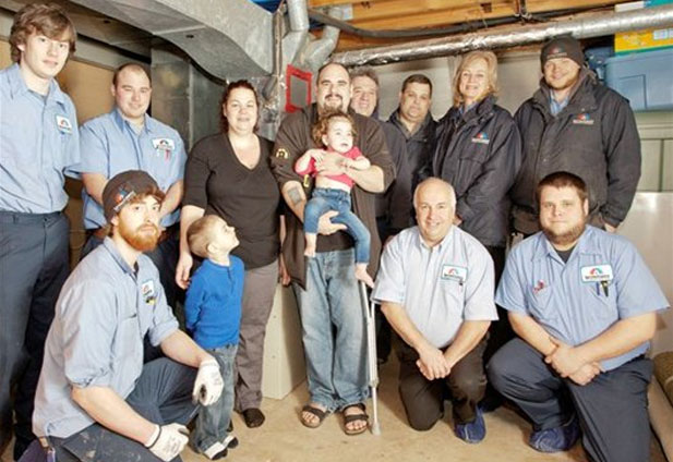 Service Experts professionals help a family in need